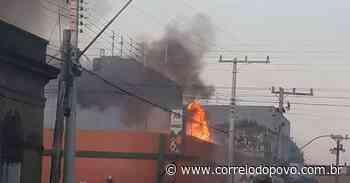 Bombeiros controlam incêndio no Mercado Modelo de Itaqui - Jornal Correio do Povo