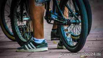 Traunreut: Polizei stoppt hackedichten jugendlichen Fahrradfahrer - chiemgau24.de