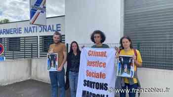 Betton (35) : Deux militants poursuivis pour vol en réunion, un an après avoir décroché un portrait de Macron - France Bleu