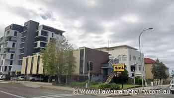 Wollongong police officer cut in knife scuffle at City Beach Motel - Illawarra Mercury
