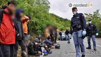 Trieste. Fermati 10 migranti, malore per uno di loro: salvato dalla Polizia - Nordest24.it