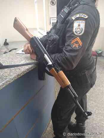 PMs são recebidos a tiros no bairro Santa Cruz - Diario do Vale
