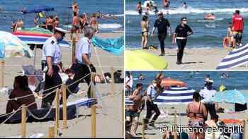 Gruppi di turisti in battigia: arrivano vigili e polizia - Il Tirreno