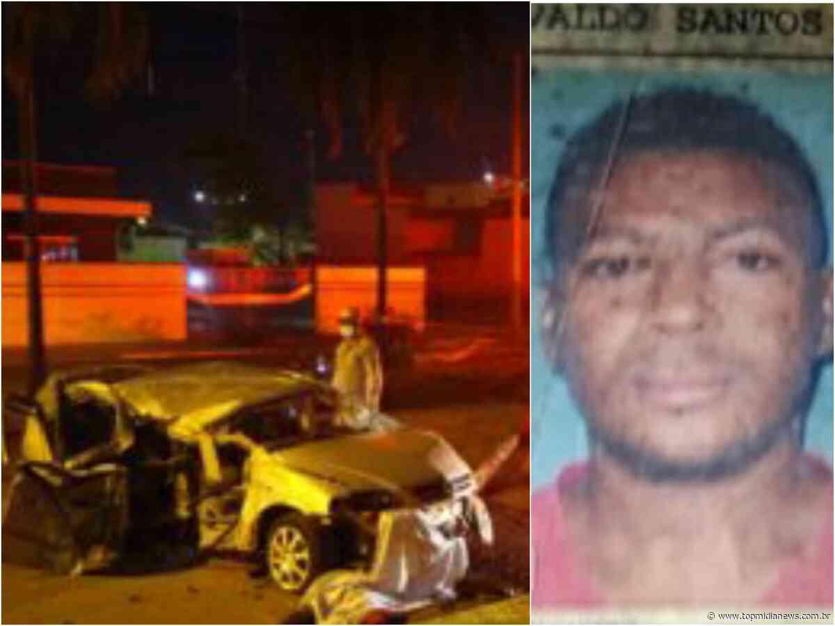 Motorista em alta velocidade perde controle, bate em palmeira e poste, e um morre - Top Mídia News