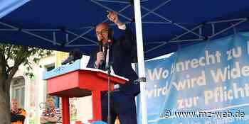 Schulterschluss mit Kalbitz: AfD-Demo stößt in Querfurt auf Gegeenwehr - Mitteldeutsche Zeitung