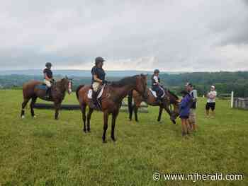 Equestrian riders get instruction from U.S. Olympian - New Jersey Herald