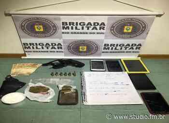Três homens são presos por posse de drogas e arma em Garibaldi | Rádio Studio 87.7 FM - Rádio Studio 87.7 FM