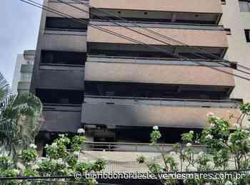 Incêndio atinge três apartamentos em condomínio no bairro Meireles, em Fortaleza - Diário do Nordeste