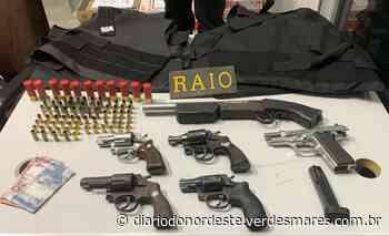 Nove homens são presos com armas, munição e coletes balísticos em Fortaleza e Maracanaú - Diário do Nordeste
