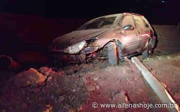 Motorista cai em cratera na rodovia - ALFENAS HOJE - Alfenas Hoje