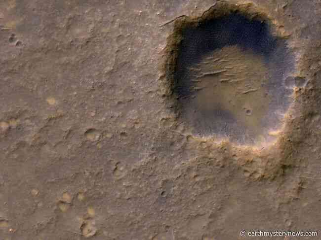 Dead Spacecraft on Mars Spotted in New Photos