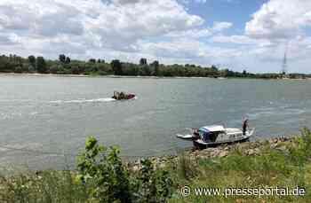 FW Voerde: Bootsbrand auf dem Rhein bei Götterswickerham - Presseportal.de