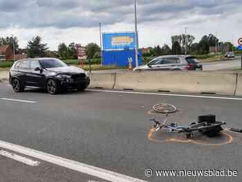 Fietser levensgevaarlijk gewond bij ongeval op Rijksweg
