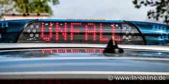 Lensahn: Unfall auf der L57 - Fahrer flüchtet nach Kollision - Lübecker Nachrichten