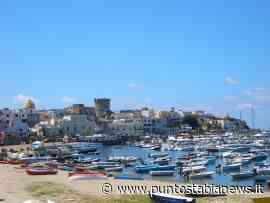 Rifiuti 'travasati' sul porto, polemiche a Forio d'Ischia - PuntoStabiaNews.it