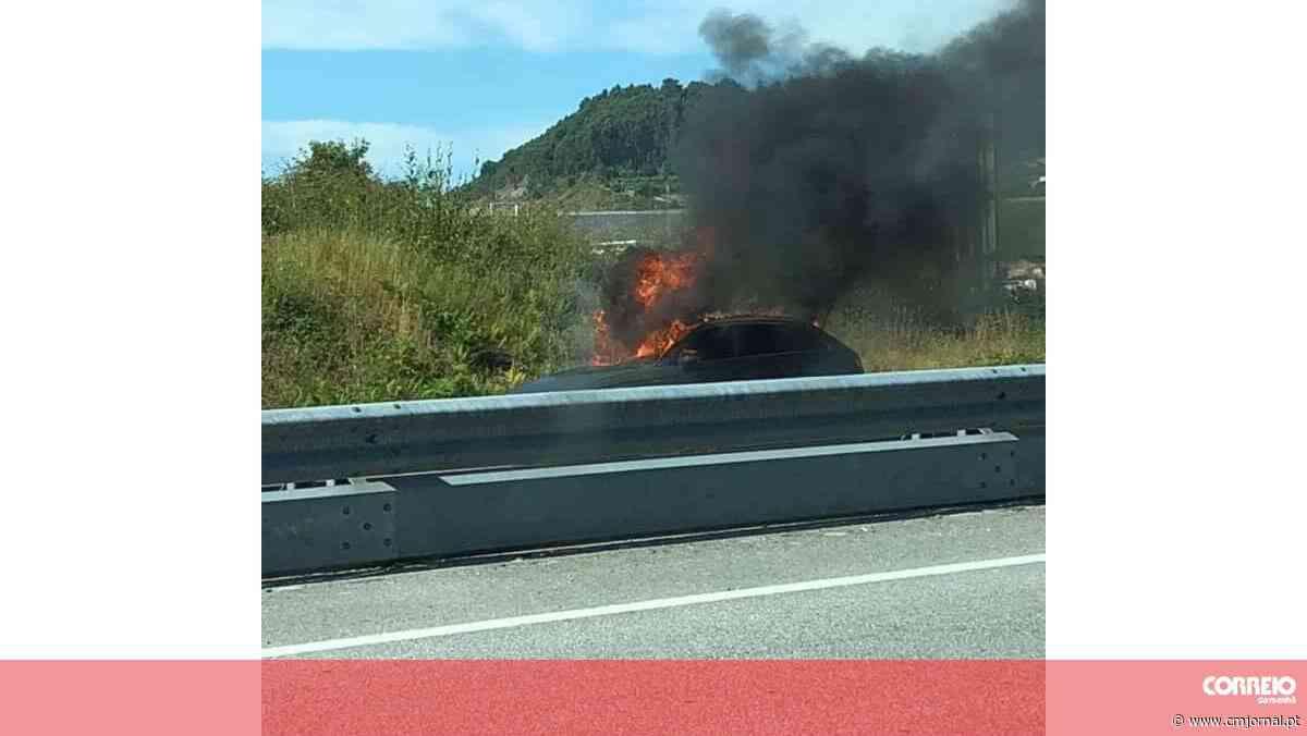 Carro incendeia-se no viaduto de acesso à A42 em Felgueiras - Correio da Manhã