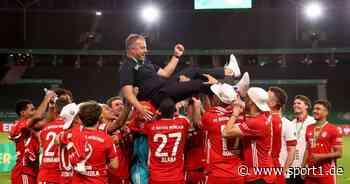 FC Bayern: Hansi Flick mit Flugeinlage nach Pokalsieg gegen Leverkusen - SPORT1