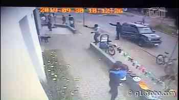 PF prende dois suspeitos de assaltar com fuzis agência bancária de Curitiba - G1