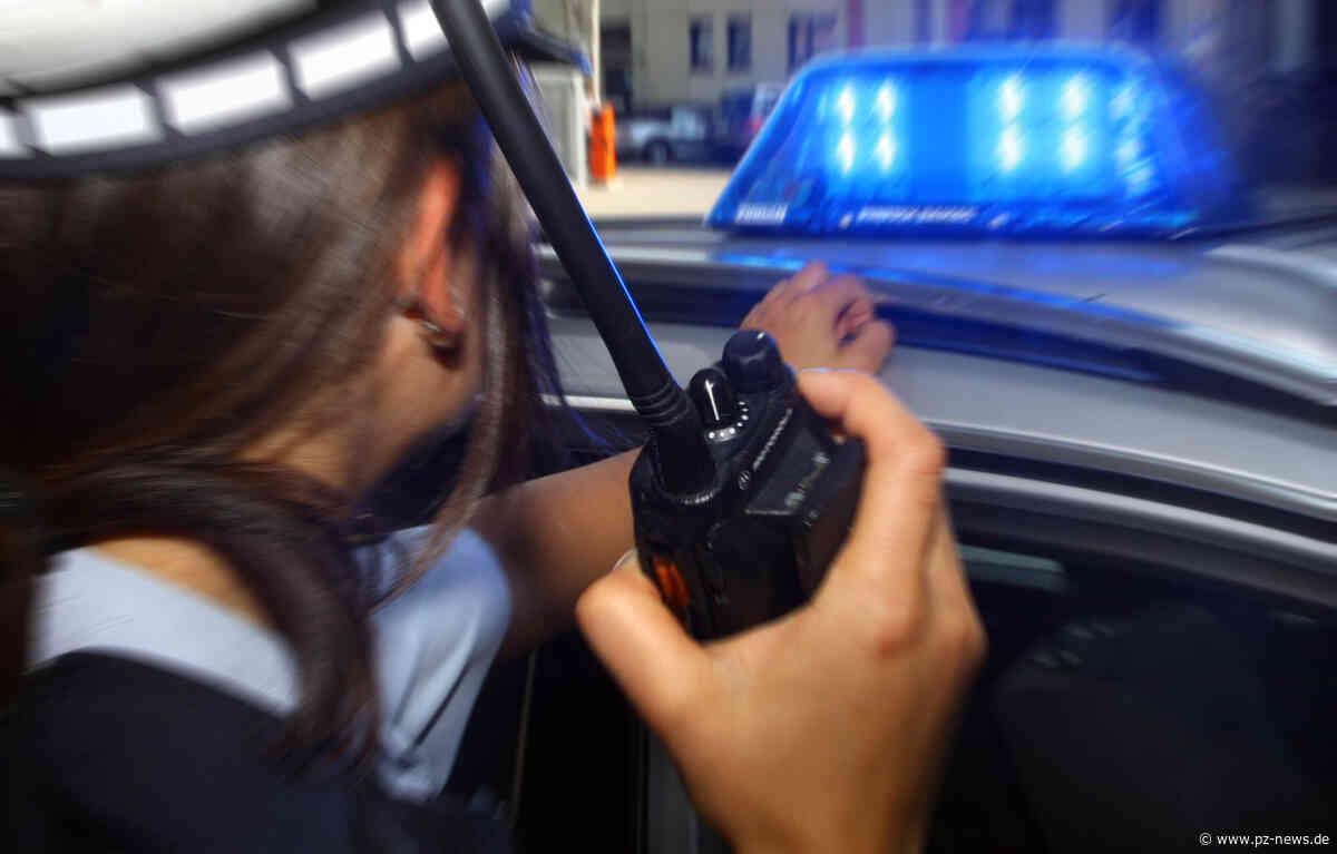 Jugendliche sollen in Karlsbad eine Straßenbahn-Haltestelle demoliert haben - Region - Pforzheimer Zeitung