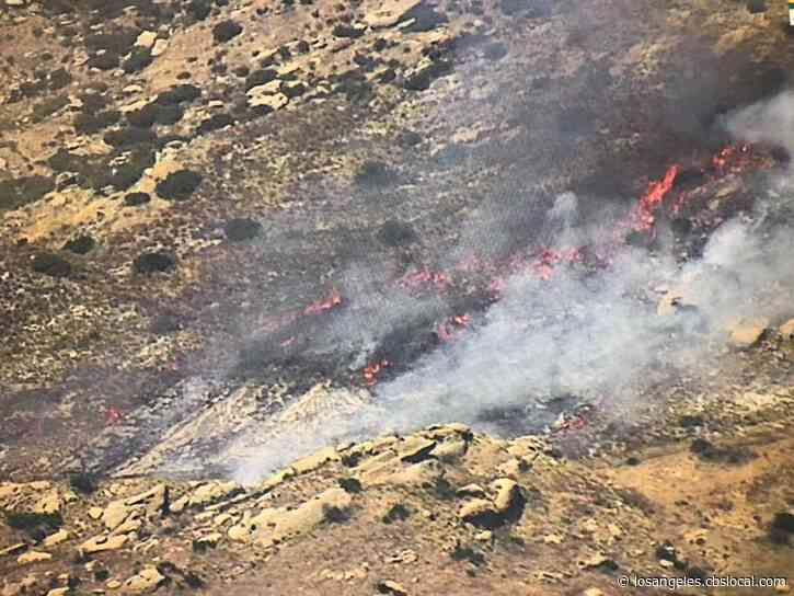 Brush Fire Breaks Out In Simi Valley