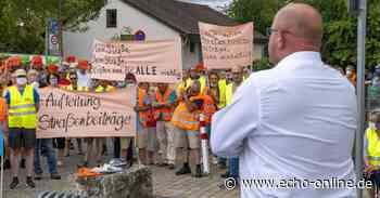 Bürger demonstrieren vor Parlamentssitzung in Riedstadt - Echo Online