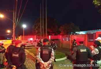 MaisPB • Dono de bar e clientes são presos em Guarabira - MaisPB