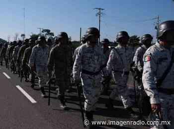 Saquean vehículo volcado en municipio de Huixtla - Imagen Radio