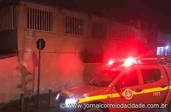 Bairro Queluz: Mulher põe fogo na própria casa em Lafaiete   Correio Online - Jornal Correio da Cidade