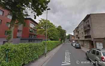Auto in brand gestoken in Hoboken, verdachte geseind - Gazet van Antwerpen Mobile - Gazet van Antwerpen