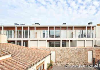 Gut eingepasst an der katalanischen Küste - Wohnungsbau von Twobo + Luis Twose - BauNetz.de