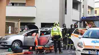 Erba, scontro tra due auto in via Mazzini: interviene l'elisoccorso - IL GIORNO
