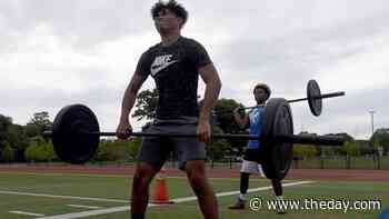 Waterford football begins CIAC's Phase II with a workout - theday.com