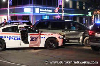 Durham police officer suffers minor injuries after cruiser struck in Oshawa - durhamradionews.com