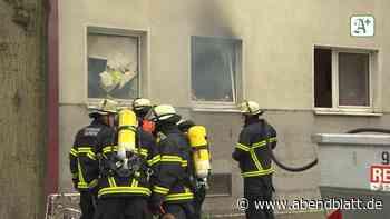 Hamburg: Feuer im Mehrfamilienhaus: Sechs Menschen kommen in Klinik