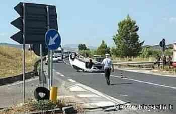Auto si ribalta sulla Catania-Ragusa, ferito il conducente, traffico rallentato a Lentini - BlogSicilia.it