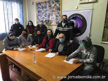 Jacutinga: assinados contratos para novas unidades habitacionais - Jornal Bom Dia