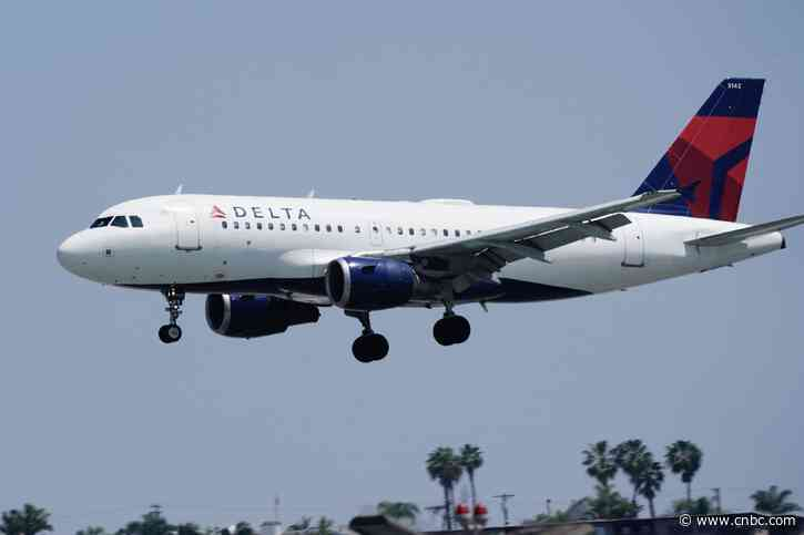 Delta, United and other airlines strike deal for federal coronavirus loans - CNBC