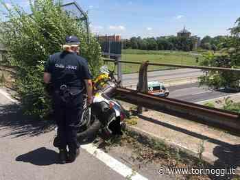 Nichelino, si schianta con la moto della scuola guida sul cavalcavia della tangenziale - TorinOggi.it