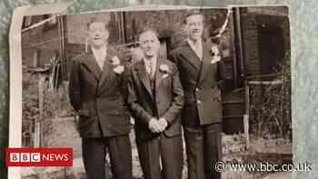 Luton family reunites Australian relatives with lost photo - BBC News