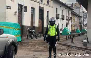 Operativo de prevención de ventas informales se realizó en la calle Rocafuerte, del Centro Histórico de Quito - El Comercio (Ecuador)