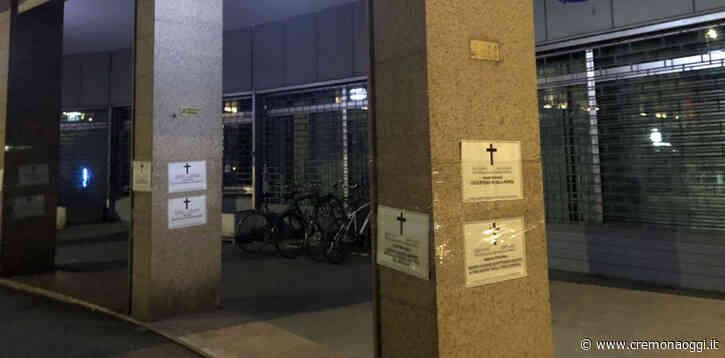 'Morti aspettando la cassa integrazione': necrologi shock di CasaPound alle sedi Inps - Cremonaoggi