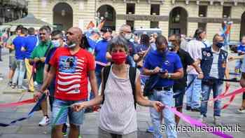 Metalmeccanici in piazza a Torino: 'Sessantamila operai in cassa integrazione' - La Stampa