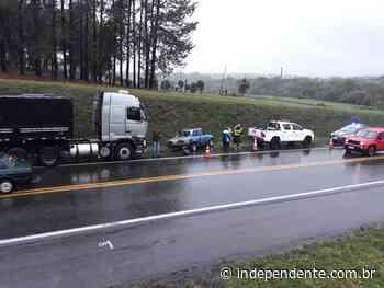 Acidente envolve caminhão e carro na BR-386, em Soledade - independente
