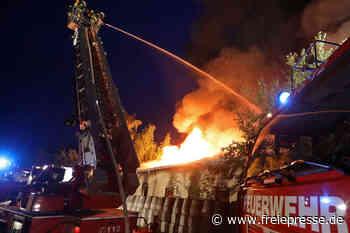 Brand in Gersdorf: Lagerhalle steht in Flammen - Freie Presse