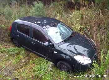 Motorista fica ferida após capotamento na ERS-122, em Caxias do Sul | Rádio Studio 87.7 FM - Rádio Studio 87.7 FM