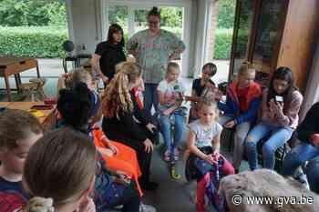 """Deze leerkrachten draaien met plezier mee in de zomerschool: """"We doen het voor die kinderen"""" - Gazet van Antwerpen"""