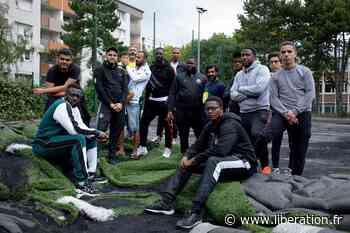 A Saint-Gratien, un quartier se cramponne à son terrain de foot - Libération