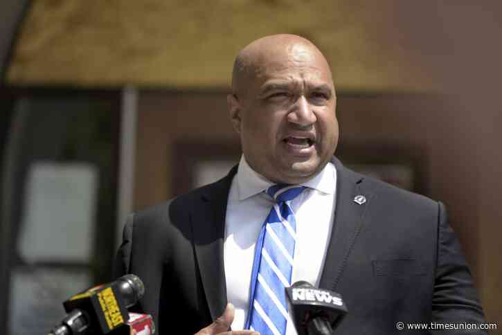Victorious Albany County DA Soares takes parting shots at challenger Toporowski
