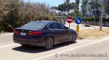 """Parcheggi a Gallipoli? L'auto del """"Corpo Diplomatico"""" fa da sé - Quotidiano di Puglia"""
