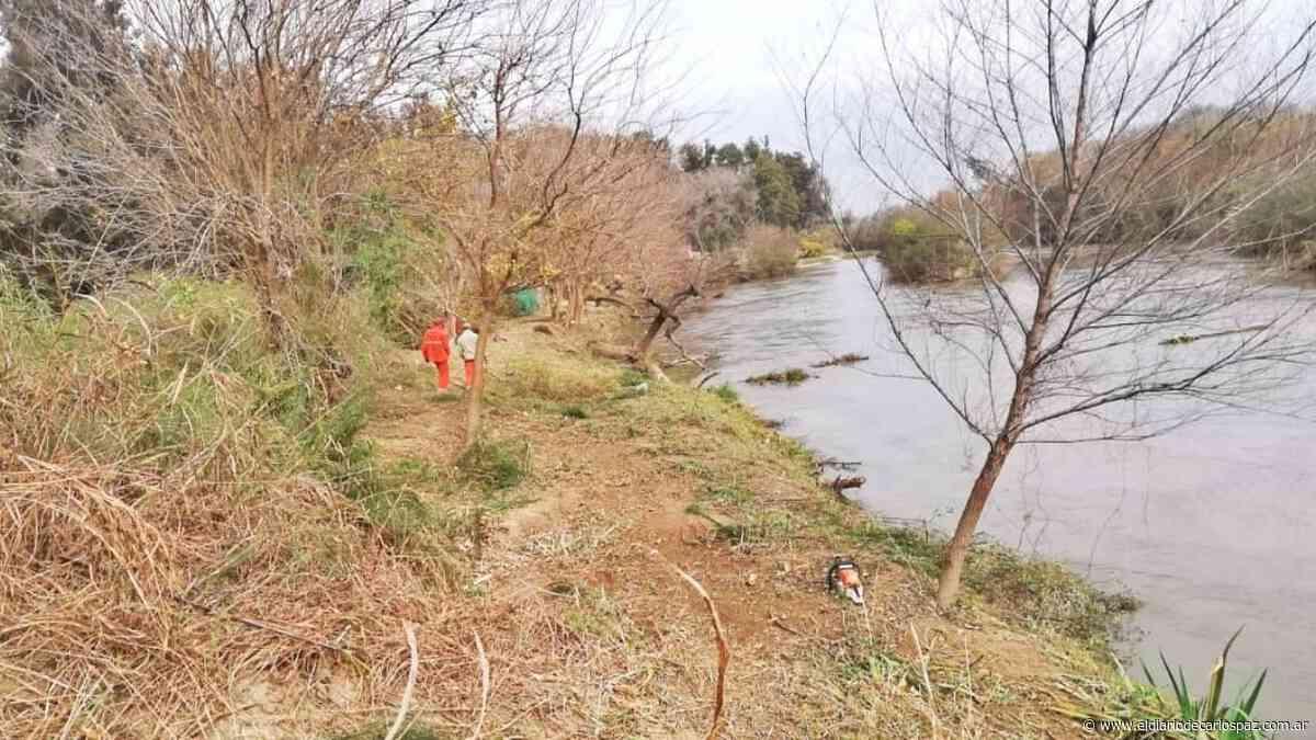 Arroyito: Limpian las costas del río Xanaes - El Diario de Carlos Paz